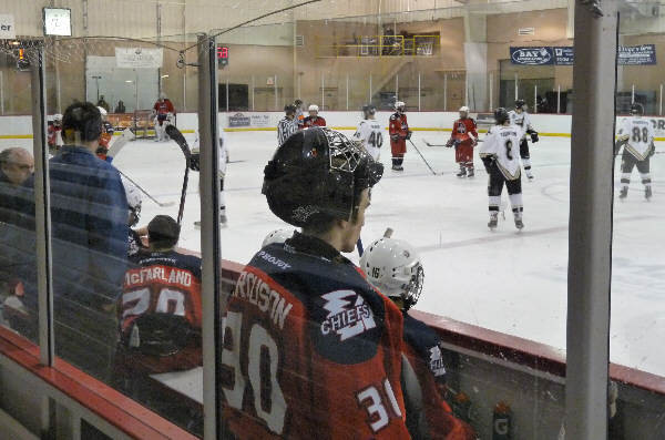 Tri city icehawks split weekend games with for Motor city ice hawks